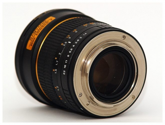 samyang-85mm-f_14-review-003